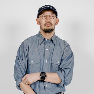 コモリ(COMOLI)のweekend シャンブレーシャツM新品未使用(シャツ)