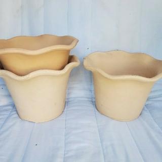 みー様専用ページⅡ三河焼フリル付き白焼 陶器鉢8号3枚セット(プランター)