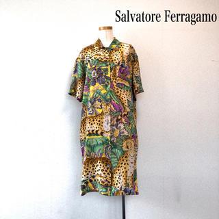 サルヴァトーレフェラガモ(Salvatore Ferragamo)のSalvatore Ferragamo シャツワンピース 豹柄 シルク100%(ひざ丈ワンピース)