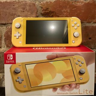 ニンテンドウ(任天堂)の「Nintendo Switch Lite イエロー」「あつまれ どうぶつの森」(家庭用ゲーム機本体)