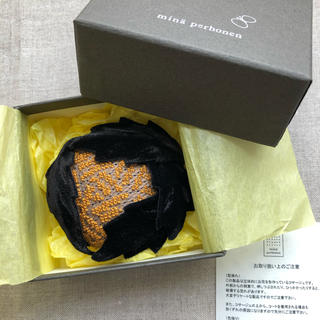 ミナペルホネン(mina perhonen)のminä perhonen/hana yuki ブローチ (新品・箱有り)(ブローチ/コサージュ)