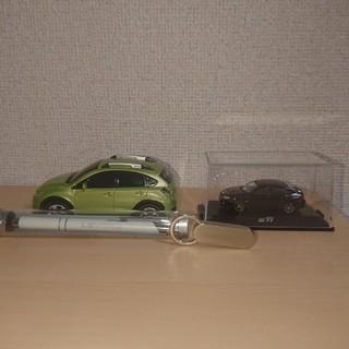 スバル(スバル)のスバル XV HYBRID 光るぶつからないミニカー(ミニカー)