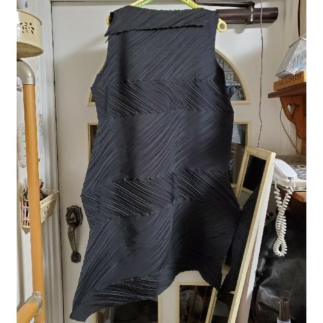 ISSEY MIYAKE(イッセイミヤケ)のISSEY MIYAKE イッセイミヤケ ワンピース レディースのワンピース(ひざ丈ワンピース)の商品写真