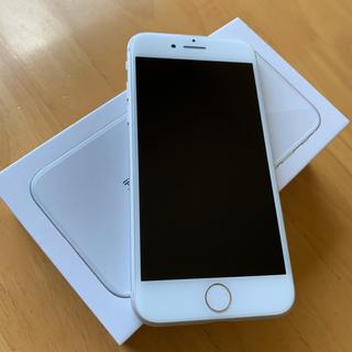 iPhone - iPhone8 64GBシルバーau SIM解除 超美品
