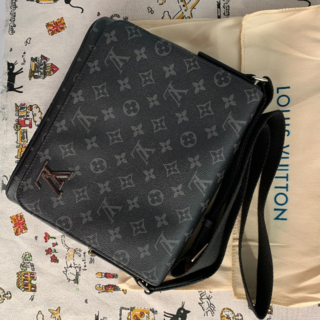 LOUIS VUITTON - Lv Louis Vuitton ショルダーバッグ