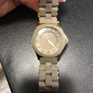 マークバイマークジェイコブス(MARC BY MARC JACOBS)のmarc by marc jacobs ♡ 腕時計 グレー(腕時計)