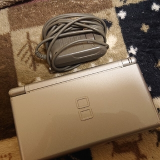 Nintendo DS ニンテンド-DS LITE シルバー(携帯用ゲーム機本体)