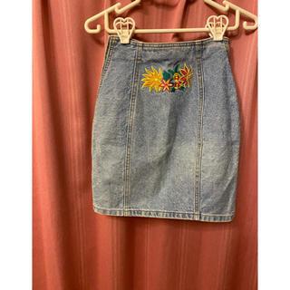 エンリココベリ(ENRICO COVERI)の刺繍入デニムタイトスカート(ひざ丈スカート)