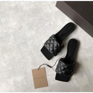 Bottega Veneta - 今季新品 ボッテガヴェネタ 全国完売 本物 パデッドサンダル 36.5