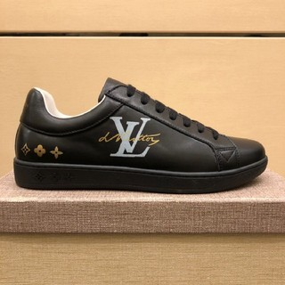 LOUIS VUITTON - LOUIS VUITTON  スニーカー