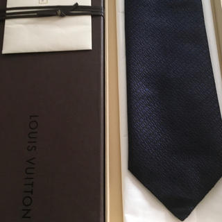 LOUIS VUITTON - 新品未使用 ルイヴィトン ネクタイ ロゴ ネイビー光沢