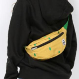チャムス(CHUMS)の新品タグ付き CHUMS 新シリーズ ブービーキャンバスファニーパック(ボディーバッグ)