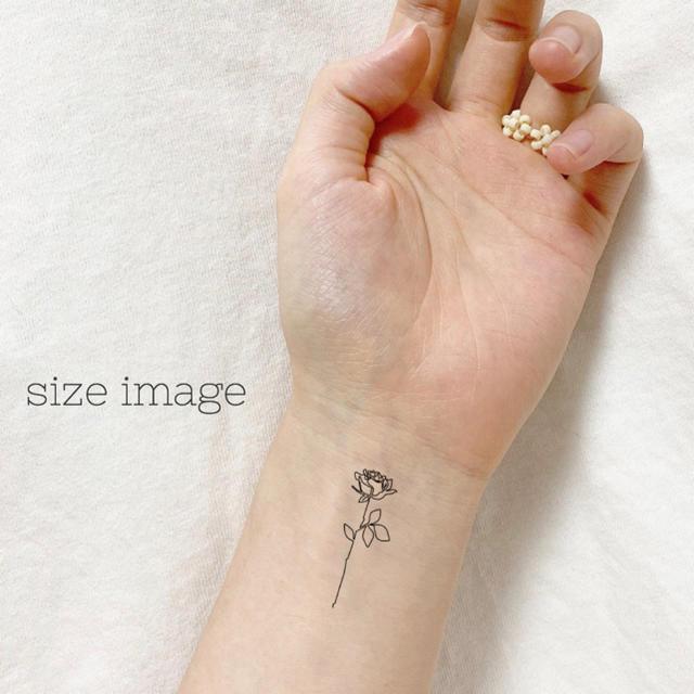 【A】タトゥーシール 韓国 線画 消えるタトゥー レディースのアクセサリー(その他)の商品写真