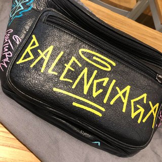 Balenciaga - 本日23時まで限定新品balenciagaバレンシアガグラフィティボディーバッグ