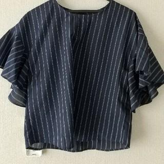 ジーユー(GU)のguフリルブラウスMサイズ(シャツ/ブラウス(半袖/袖なし))
