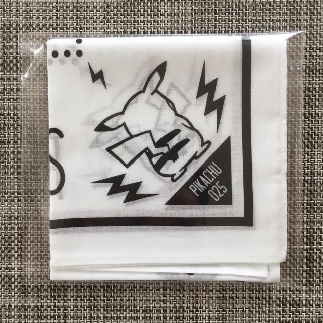 ポケモン(ポケモン)のポケットモンスター バンダナ ピカチュウ ロゴ ホワイト メンズのファッション小物(バンダナ/スカーフ)の商品写真