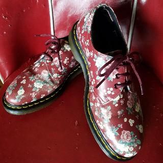 ドクターマーチン(Dr.Martens)のドクターマーチン 花柄(ローファー/革靴)