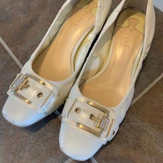 ピッティ(Pitti)のpitti ピッティ ローヒールパンプス 24㎝ 白(ローファー/革靴)