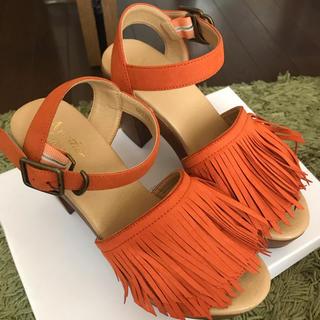 ユナイテッドアローズ(UNITED ARROWS)のオレンジカラー フリンジサンダル(サンダル)