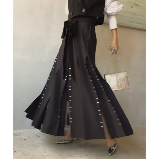 Ameri VINTAGE(アメリヴィンテージ)のAmeri【タグ付新品】CHASM SCREEN SKIRT レディースのスカート(ロングスカート)の商品写真