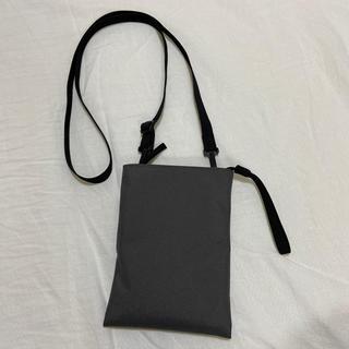 MUJI (無印良品) - 無印良品 サコッシュ グレー タテ17.5 ヨコ13 肩ひも約120