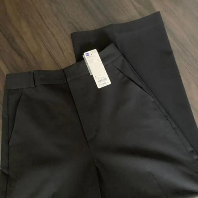 GU(ジーユー)のジーユー ワイドパンツ ブラック レディースのパンツ(カジュアルパンツ)の商品写真