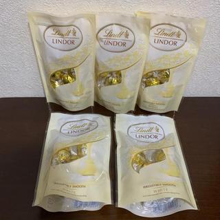 リンツ(Lindt)のリンツ⭐️リンドール⭐️チョコレート⭐️ホワイト(菓子/デザート)