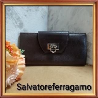 Salvatore Ferragamo - サルヴァトーレフェラガモ 二つ折り財布 ガンチーニ 長財布 茶色 サーモンピンク