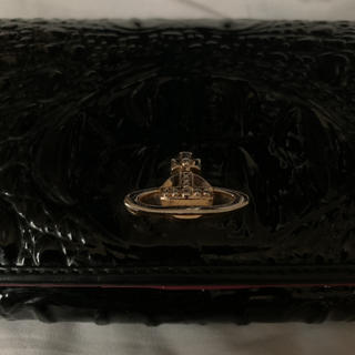 ヴィヴィアンウエストウッド(Vivienne Westwood)のヴィヴィアンウエストウッド  クロコ型押し パテント 長財布 ブラック×ピンク(財布)