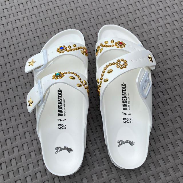 Ron Herman(ロンハーマン)の⭐︎マーブルズ×ビリケンサンダル⭐︎白×ゴールド⭐︎ メンズの靴/シューズ(サンダル)の商品写真