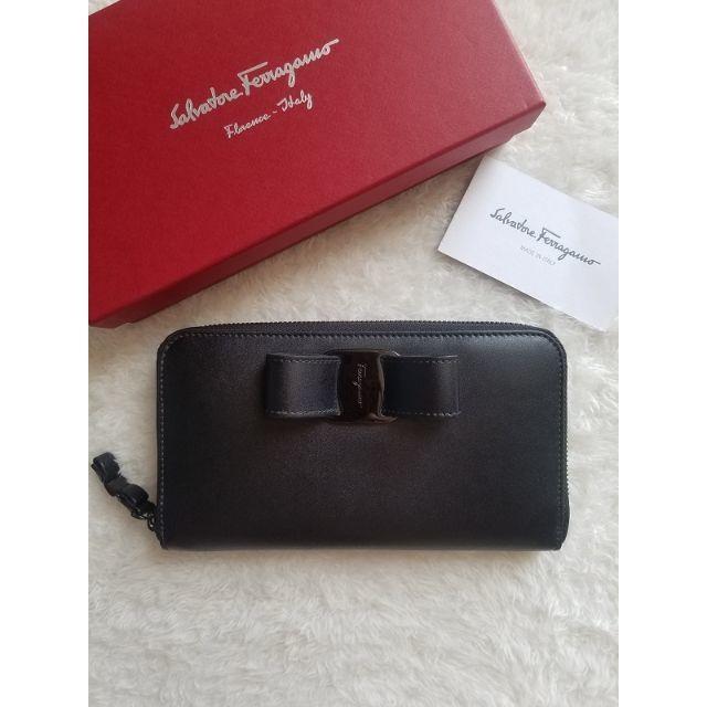 Salvatore Ferragamo(サルヴァトーレフェラガモ)のサルヴァトーレ フェラガモ Vara ジップ 長財布 レディースのファッション小物(財布)の商品写真