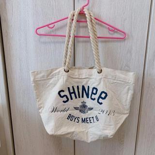 シャイニー(SHINee)のSHINee 2013 BOYS MEET U ツアーバッグ(アイドルグッズ)