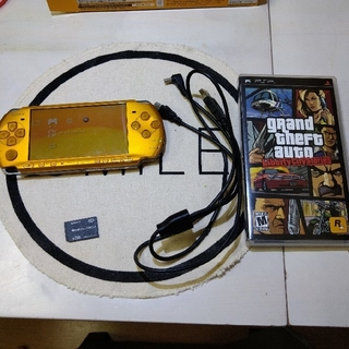 PSP 3000 本体 イエロー ソフト付