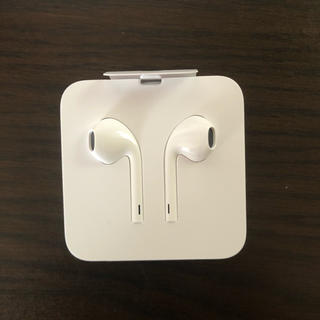 アイフォーン(iPhone)のiphone イヤホン 純正  新品未使用 Apple正規品(ヘッドフォン/イヤフォン)