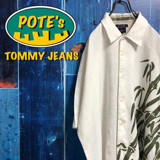 TOMMY HILFIGER - 【トミージーンズ】刺繍ロゴスリットスリーブバンブー柄半袖リネンレーヨンシャツ