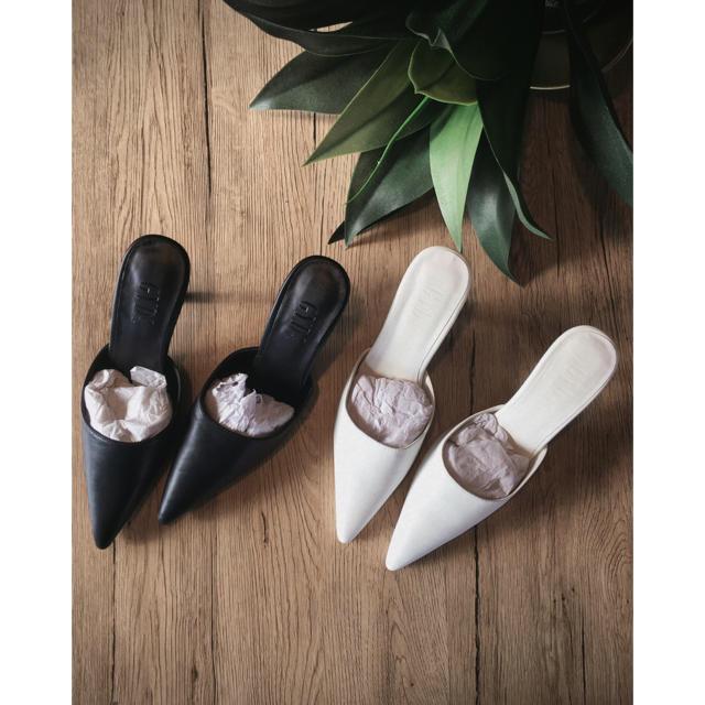 GYDA(ジェイダ)の新品【GYDA】ポインテッドミュール レディースの靴/シューズ(ミュール)の商品写真