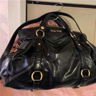 ミュウミュウ(miumiu)の美品 miumiu 約20万 ブラック本革2wayバッグ(ショルダーバッグ)