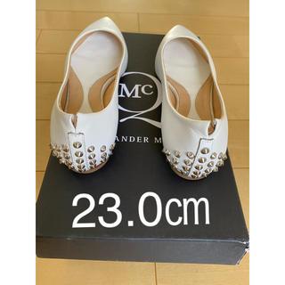 アレキサンダーマックイーン(Alexander McQueen)のAlexander McQueen ホワイト スタッズ パンプス 23センチ(ハイヒール/パンプス)
