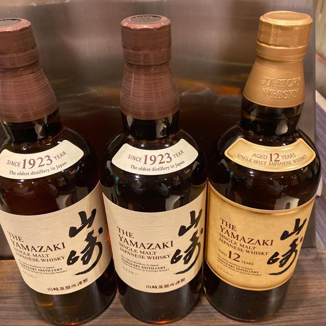 山崎ウイスキー 12とノンビンテージ 食品/飲料/酒の酒(ウイスキー)の商品写真