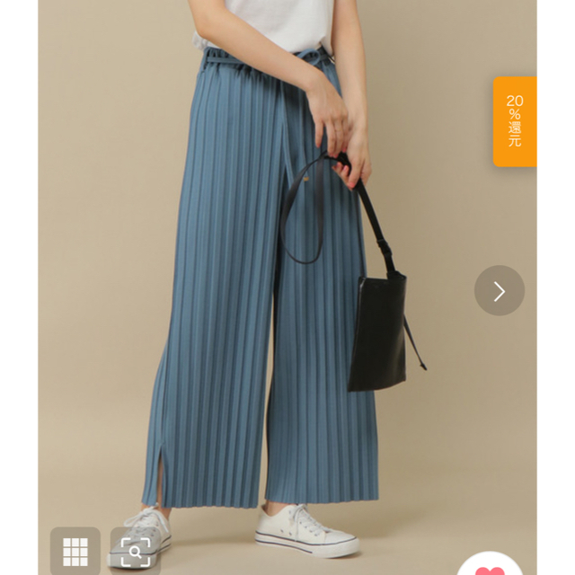 ikka(イッカ)のikka カットプリーツワイドパンツ レディースのパンツ(カジュアルパンツ)の商品写真