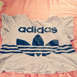 アディダス(adidas)のadidas デカT(Tシャツ(半袖/袖なし))