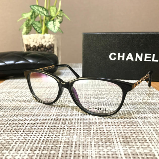 CHANEL(シャネル)の未使用品‼️CHANEL✨シャネル✰︎メガネ🎀フレーム レディースのファッション小物(サングラス/メガネ)の商品写真