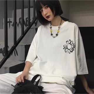 【大人気】韓国系 ビッグシルエットTシャツ 花柄 五分袖 七分袖【ユニセックス】