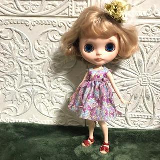 小さな袖のワンピース 44(人形)