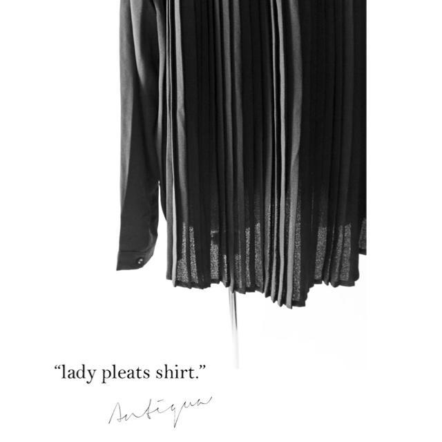 antiqua(アンティカ)の☆★☆ アンティカ バックプリーツシャツ レディースのトップス(シャツ/ブラウス(長袖/七分))の商品写真