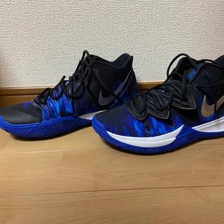 """ナイキ(NIKE)の【28.0】NIKE KYRIE 5 """"DUKE BLUE DEVILS PE""""(スニーカー)"""