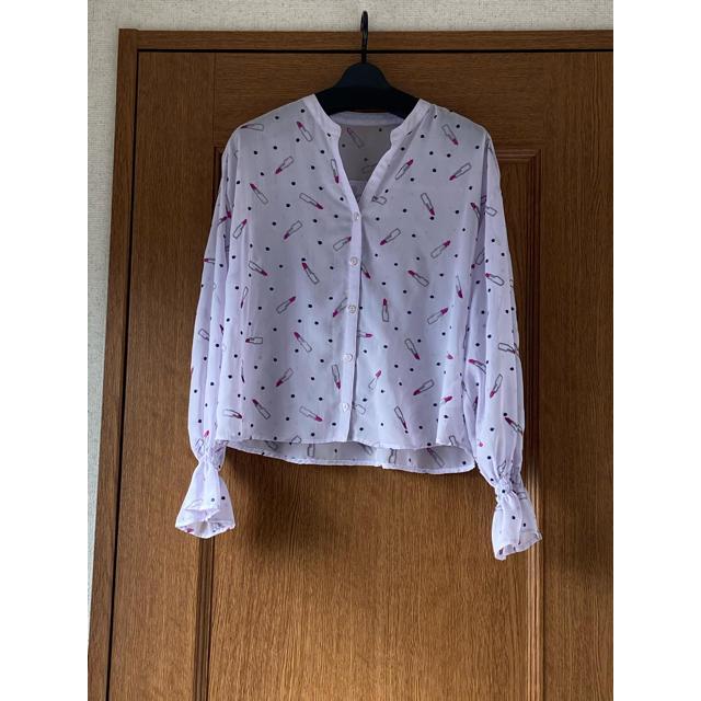 GRACE CONTINENTAL(グレースコンチネンタル)のグレース♡リップ刺繍シャツ♡人気のラベンダーカラー レディースのトップス(シャツ/ブラウス(長袖/七分))の商品写真