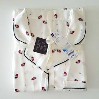GU - 新品☆GU イチゴ柄 サテン パジャマ (XL)