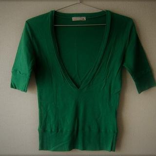 サマンサモスモス(SM2)のSM2)緑(S~M)Vネックで5分袖のカットソー(カットソー(半袖/袖なし))