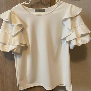 エムプルミエ(M-premier)のエムプルミエ フリル付きトップス(シャツ/ブラウス(半袖/袖なし))